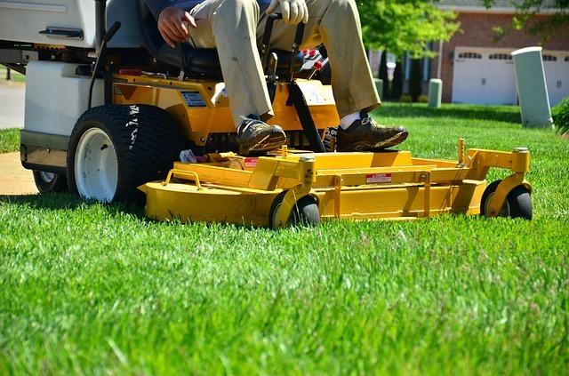 zero turn lawn mower front deck